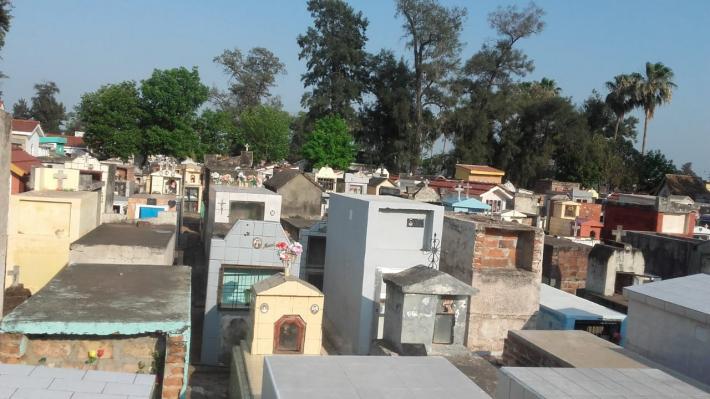 Sáenz Peña: fue a visitar la tumba de su hermano y la encontró dañada y con otro cuerpo.