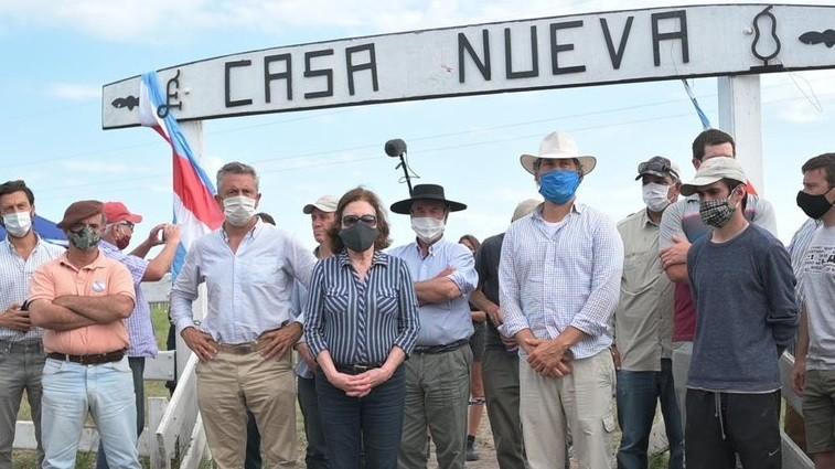 La Justicia de Entre Ríos resolverá mañana si los militantes de Juan Grabois son desalojados del campo de la familia Etchevehere
