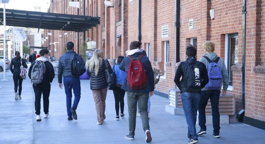 Vuelven las universidades, sin distanciamiento y con presencialidad plena