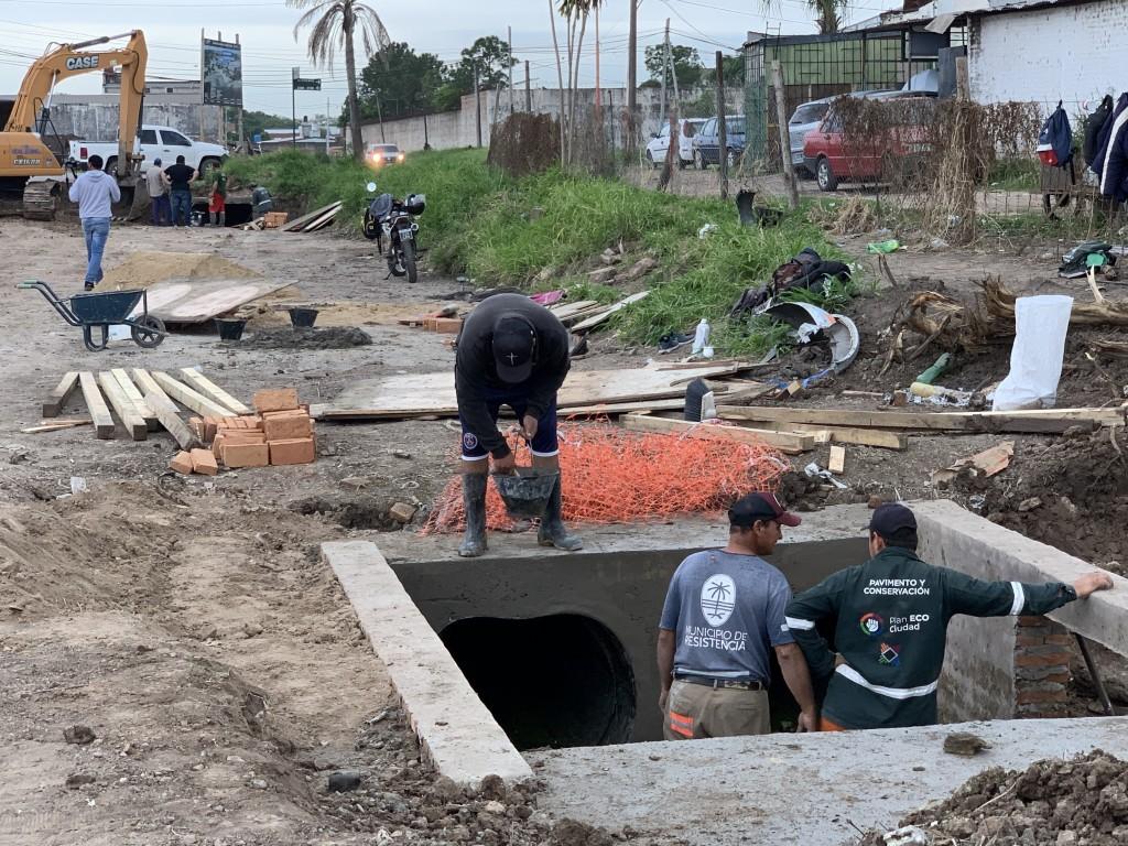 Avanza en la obra de desagües de la Laguna Seitor