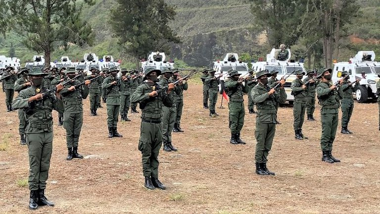 La Fuerza Armada venezolana movilizó a 1.702 militares de la Guardia Nacional hacia 46 puestos fronterizos con Colombia