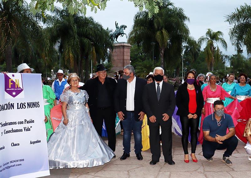 La Plaza 25 de Mayo fue sede del homenaje a los adultos mayores