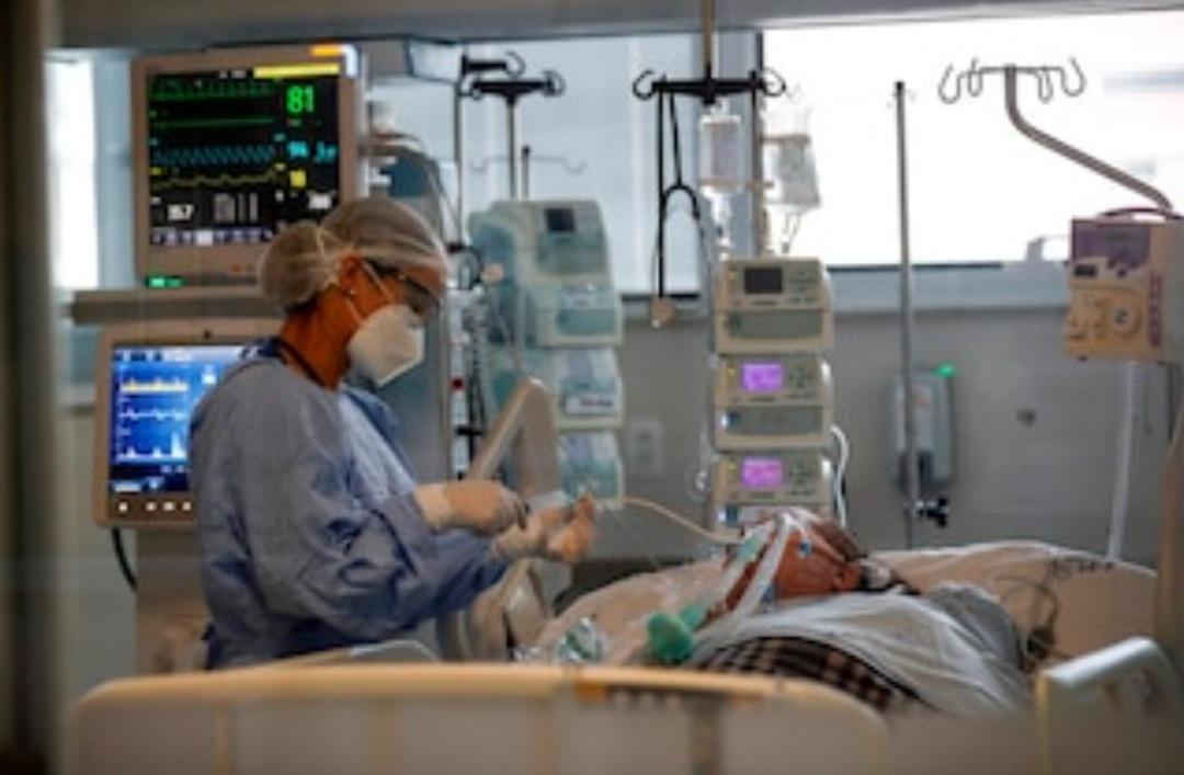 Los tres principales factores de riesgo asociados a la mortalidad por COVID-19 en Argentina