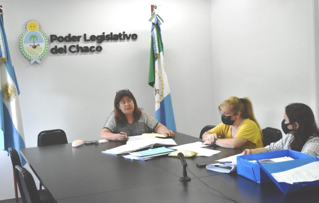 """Dictamen favorable para instituir el 26 de noviembre como """"Día del Maestro Indígena"""""""