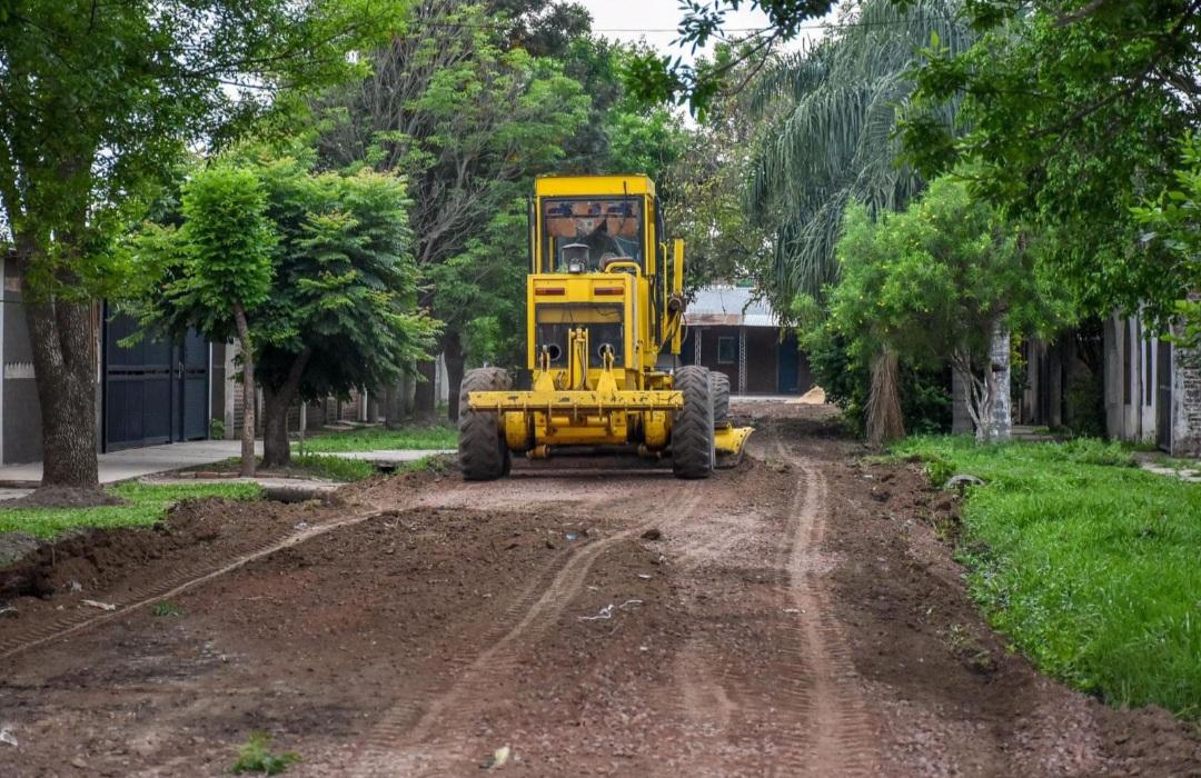 La Municipalidad de Fontana colocó ripio en el barrio 263 Viviendas