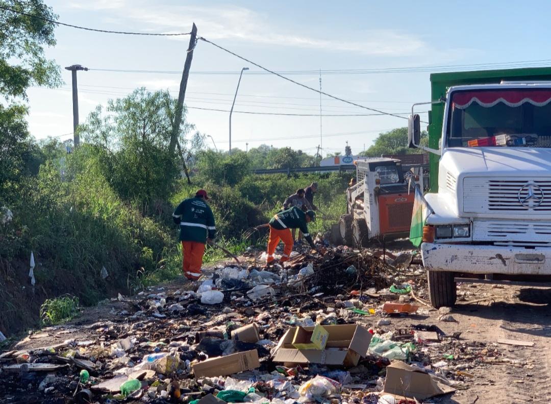 El municipio erradicó un minibasural generado en la Colectora Norte