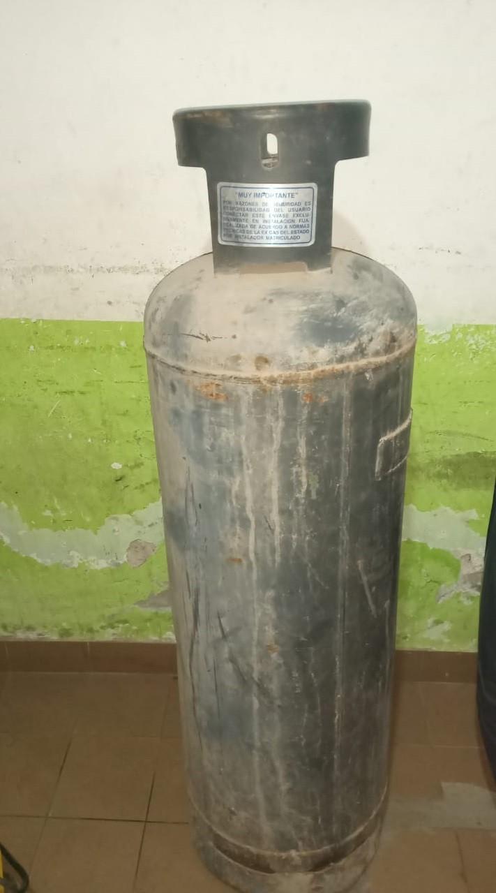 Villa Ángela: Robaron un tubo de gas de una casa y los efectivos lo recuperaron