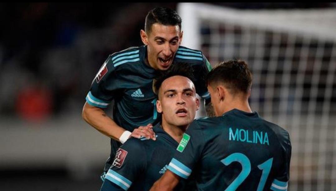 Argentina le ganó 1-0 a Perú y quedó a un paso del Mundial de Qatar 2022