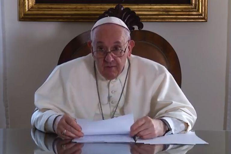 El Papa reclamó un salario básico universal y la reducción de la jornada laboral
