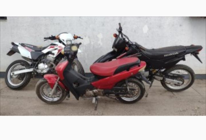 Avisó que su vecino tenía una moto robada y la policía la encontró abandonada