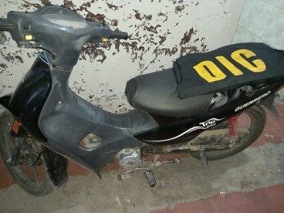 Robó una moto y huyó al ver a la policía