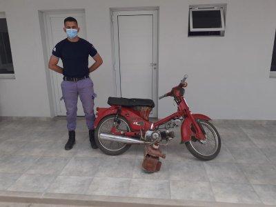 Hermano desleal: Detenido por sustraer una moto y una bomba de agua