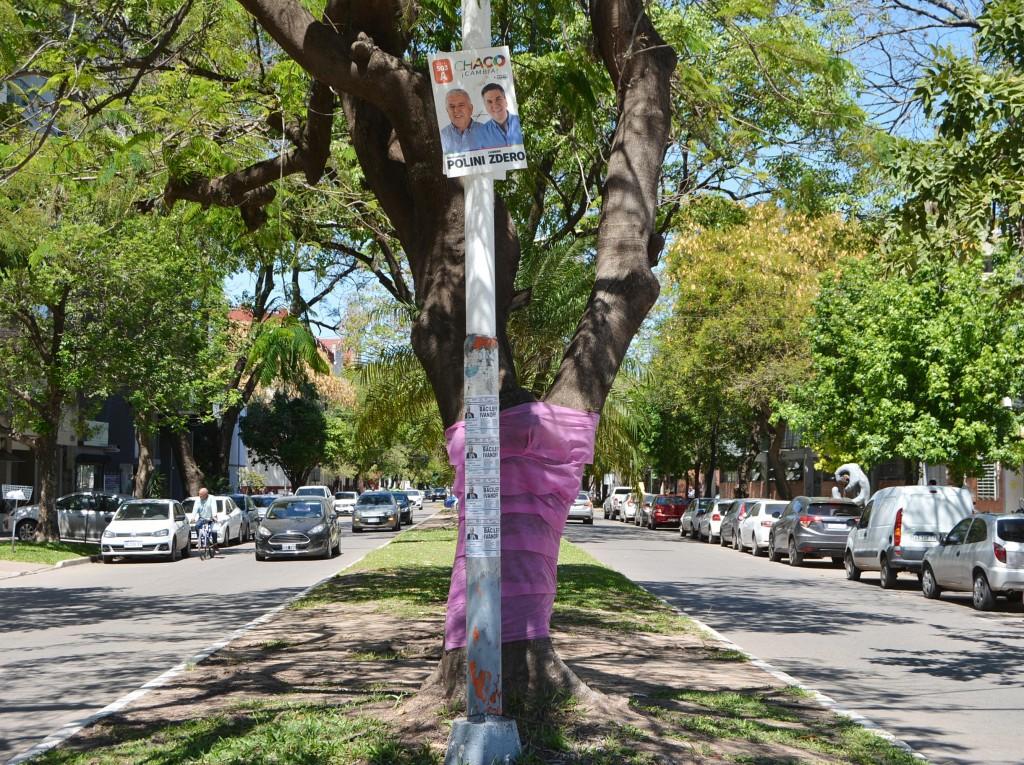 Esta prohibida la colocación de cartelería proletista para no ensuciar ni contaminar la ciudad