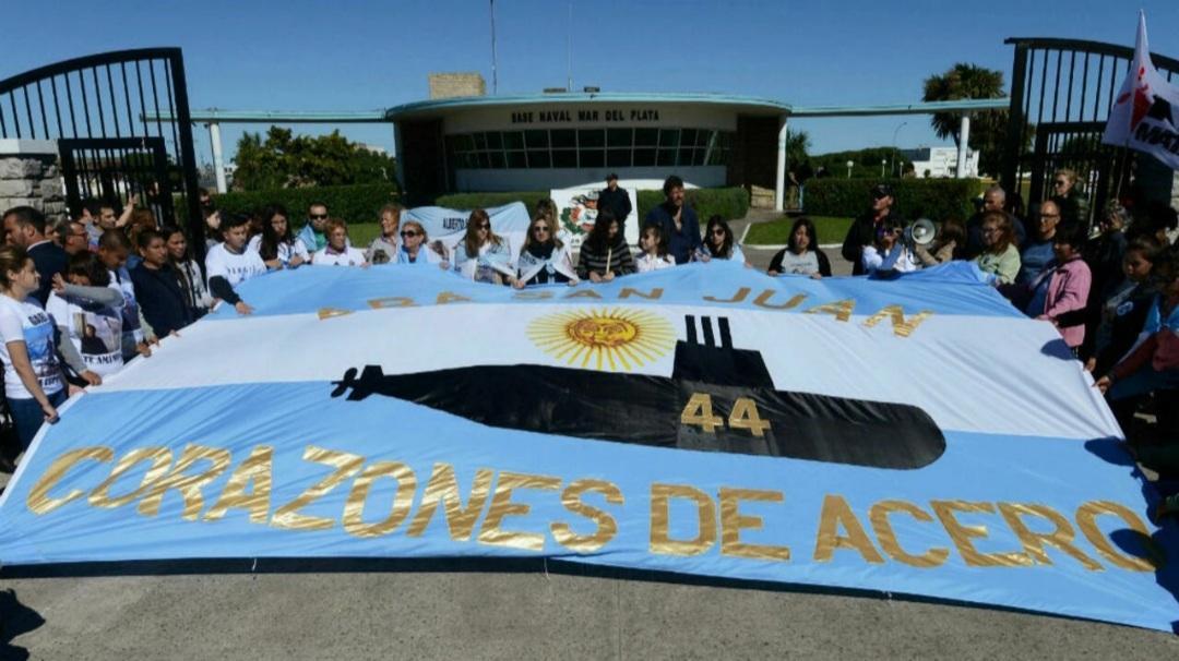 Familiares de víctimas del ARA San Juan acusaron a Macri de seguir un