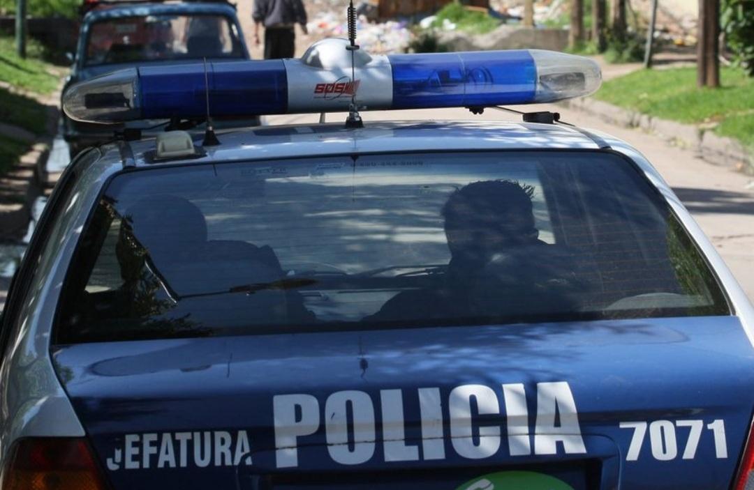Motochorros balearon a un cabo de la Policía Federal