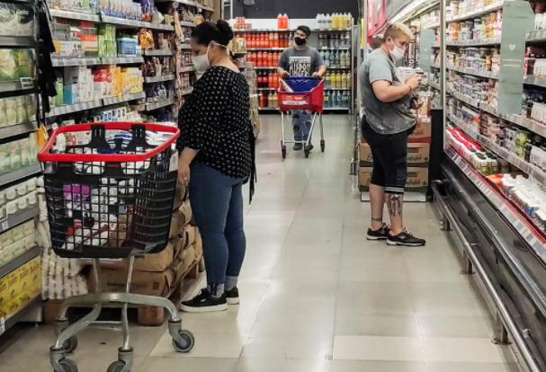 La canasta básica subió 3,2% en septiembre y una familia tipo necesitó $70.532 para no ser pobre