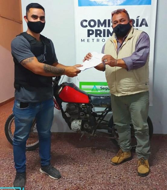 Recuperaron en Villa Los Lirios una moto robada