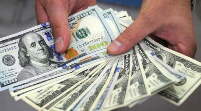 Dólar blue: ¿Por qué tocó el récord del año?