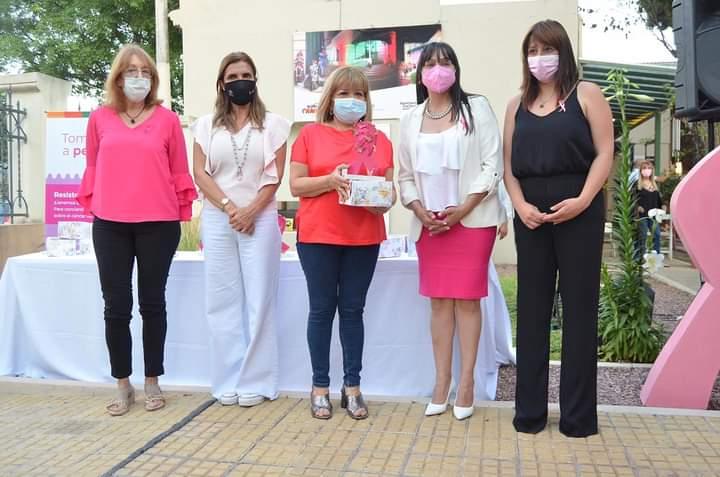 Resistencia brindó un reconocimiento a mujeres que superaron el cáncer de mama