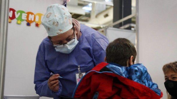 COVID-19: Más de 1,2 millones de niños iniciaron su vacunación en todo el país