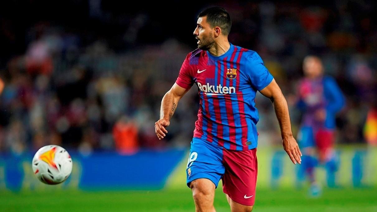 Un gol del Kun Agüero decoró la dura derrota de Barcelona ante Real Madrid en el Clásico
