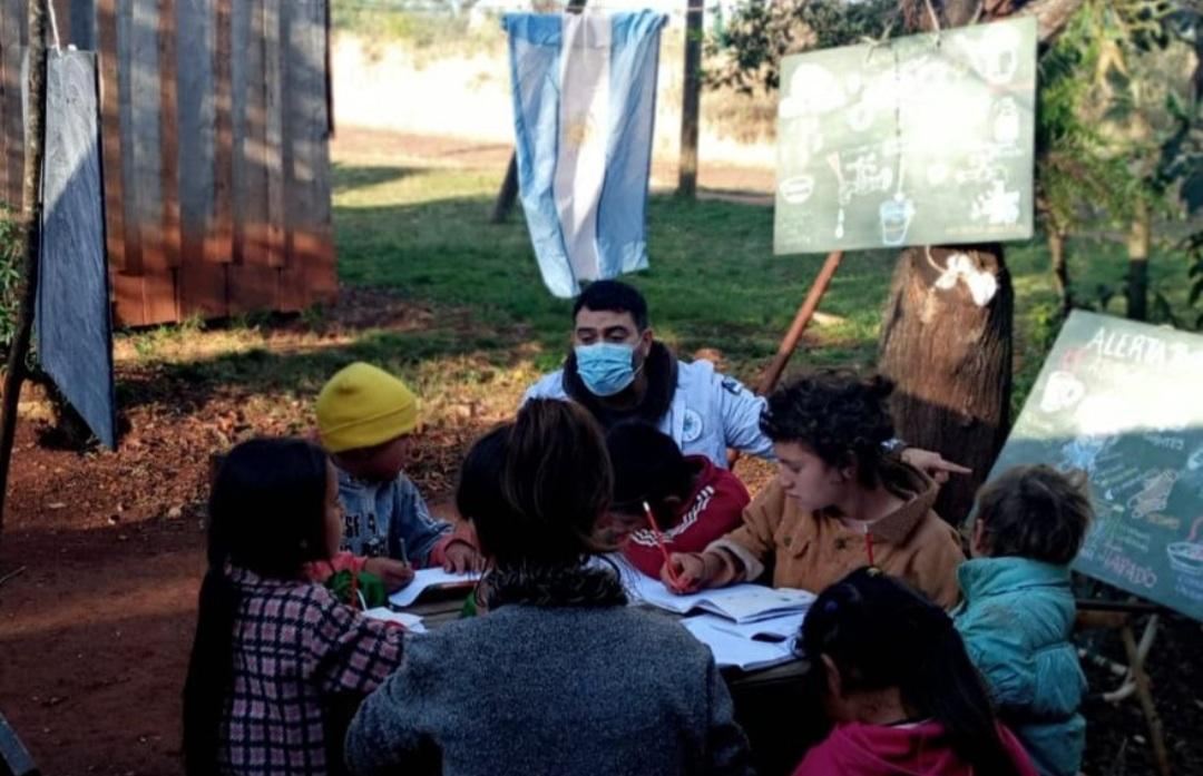 Enseñar en la emergencia: Tres escuelas ganaron un premio por su innovación