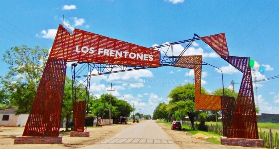 Los Frentones: involucran al Intendente en confuso episodio por vivienda desocupada.