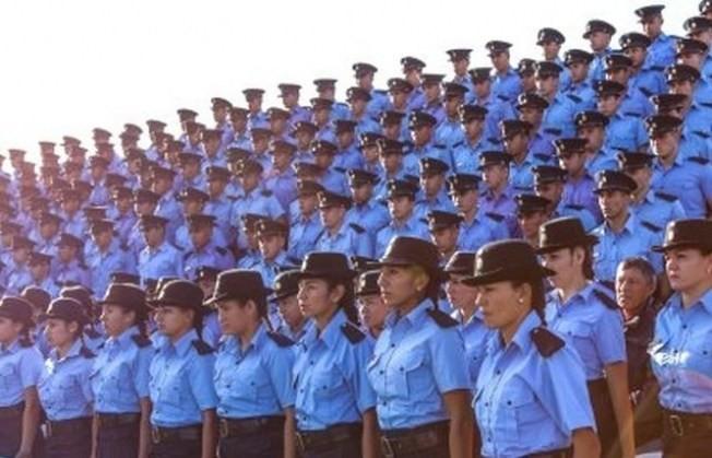 ¡Llegó el día! En la jornada de ayer el gobernador de la provincia firmó el decreto de nombramiento de los 291 alumnos de la Escuela de Policía que egresaron el 1° de agosto.