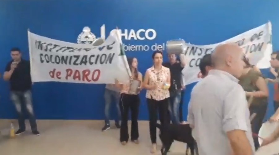 Instituto de Colonización también reclama por los pases a planta en Casa de Gobierno