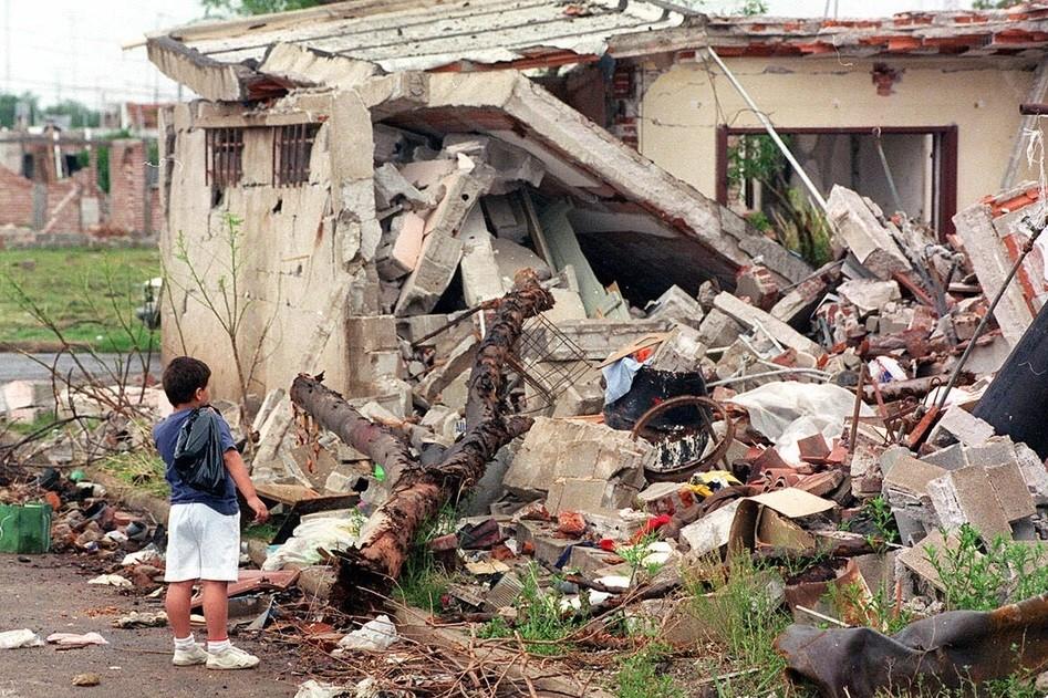 A 25 años de la explosión de Río Tercero, justicia parcial y Carlos Menem al banquillo