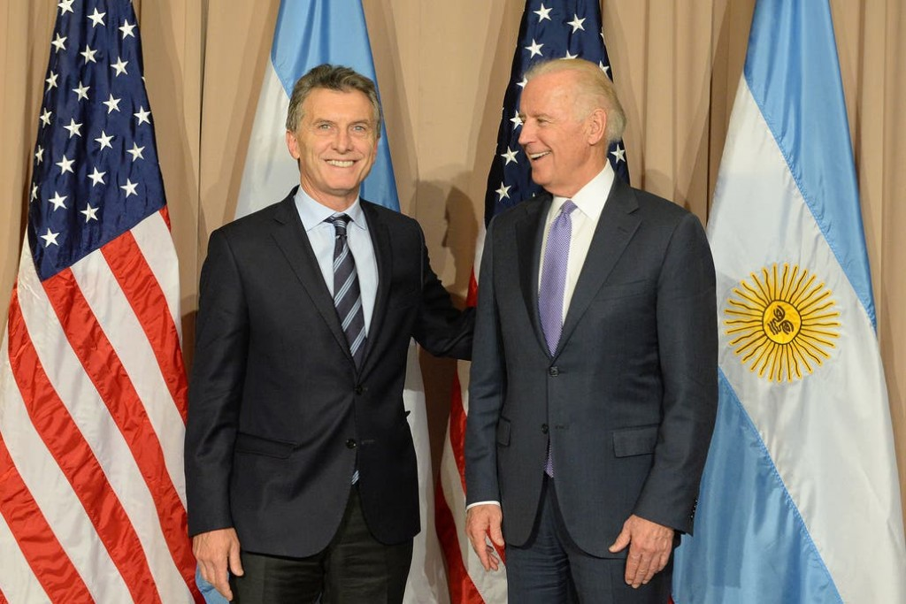 Elecciones en EE.UU.: las tres figuras disímiles que marcan el vínculo más estrecho de los Biden con la Argentina