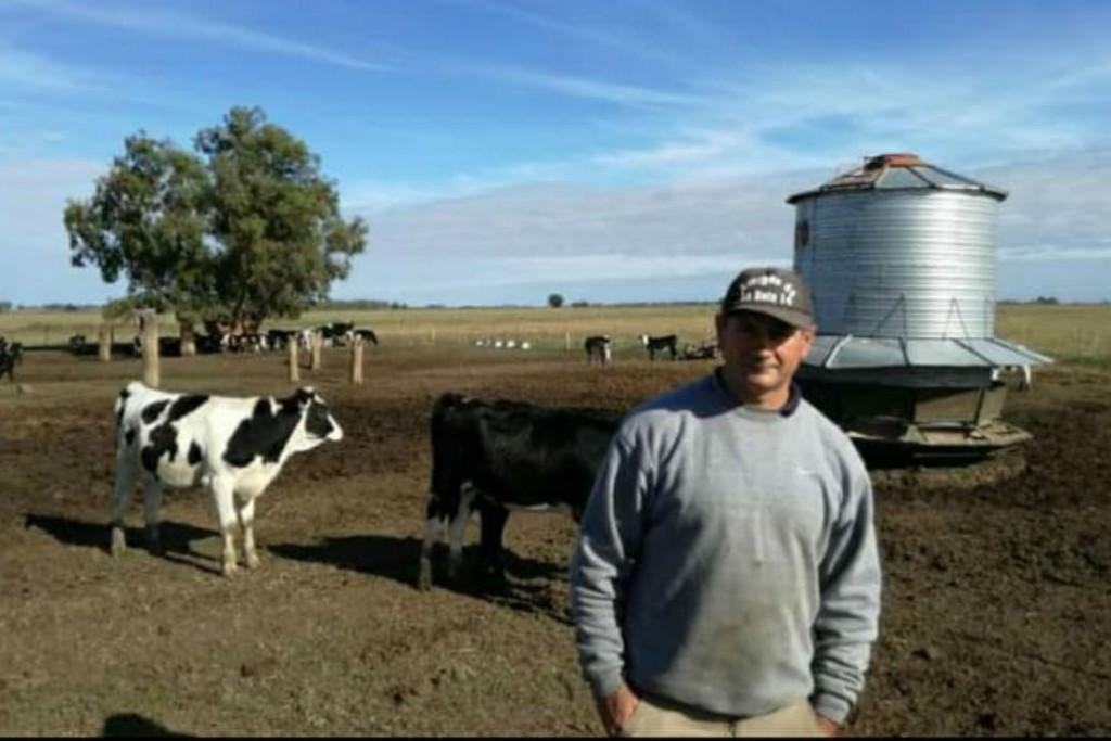Denuncian que tienen un tambo tomado y que les venden las vacas por Facebook