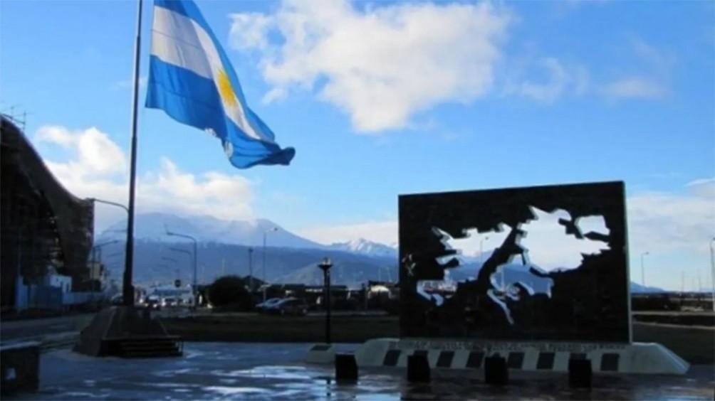 A 200 años de primer izamiento en Malvinas, actos en todo el país y lanzamiento del Consejo Nacional