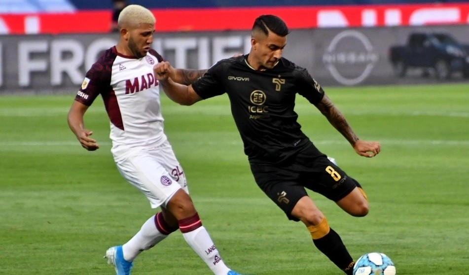 Copa Liga Profesional: Talleres igualó sobre el final con Lanús