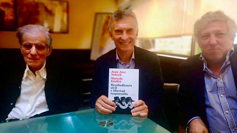 """Mauricio Macri almorzó con Juan José Sebreli: """"En 2023 vamos a volver y habremos aprendido de nuestros errores"""""""