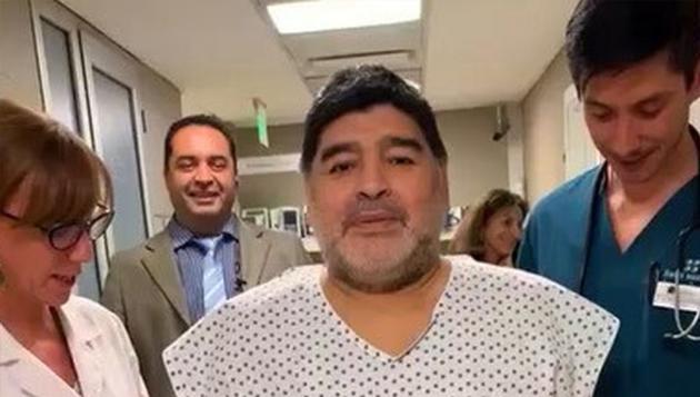 Maradona recibió el alta médica y continuará su rehabilitación en un barrio privado de zona Norte.