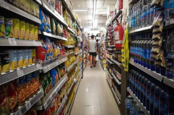 Precios Máximos: comenzó el desarme del programa con la quita de más de 50 categorías de productos