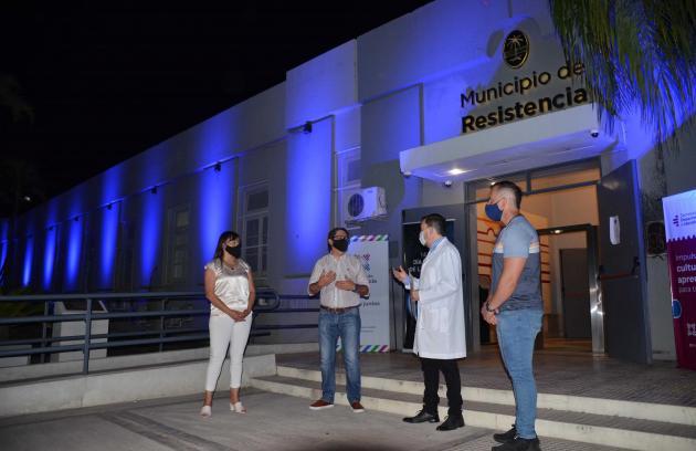 Resistencia: La Municipalidad se iluminó de azul por el Día Mundial de la Lucha Contra la Diabetes.