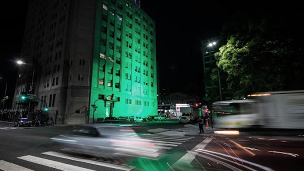 El Cabildo y el Ministerio de Salud iluminados de verde a favor del aborto legal
