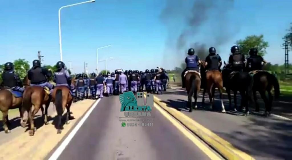 Quitilipi: Ruta 16 fue despejada por la Policía del Chaco, manifestantes se enfrentaron con uniformados