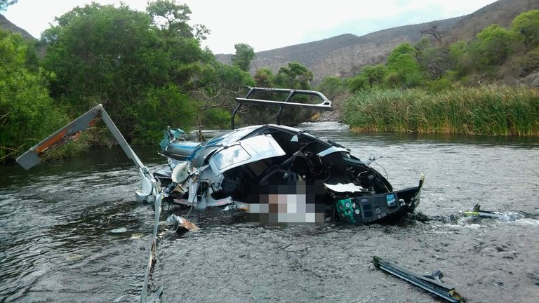 El primer informe oficial confirmó que el helicóptero de Jorge Brito se precipitó a tierra luego de impactar con los cables de una tirolesa
