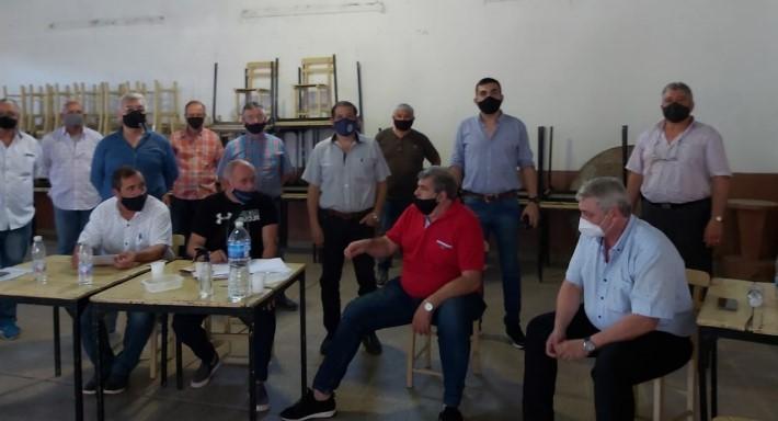 Peche recibió a representantes de la Asociación de Policías y Penitenciarios del Chaco por el proyecto de ley del Ejecutivo