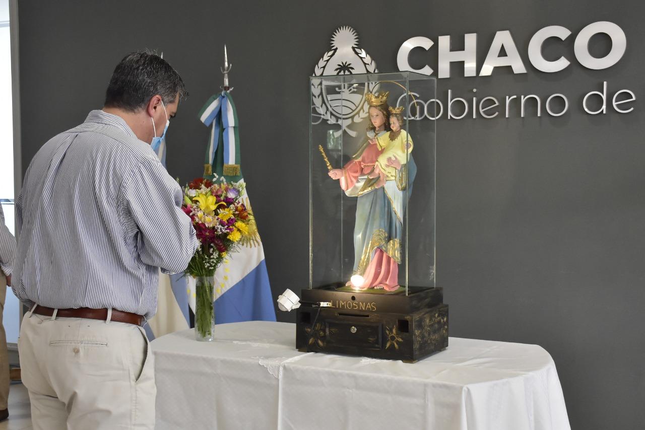 Capitanich recibió la imágen de la Virgen María Auxiliadora en Casa de Gobierno
