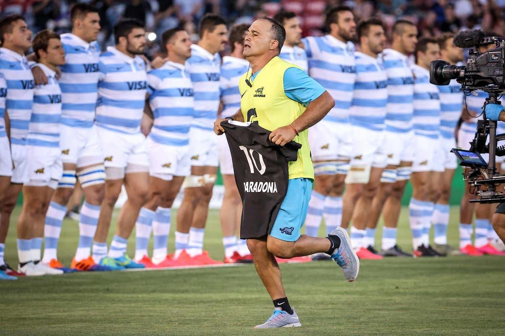 Repudio en las redes a Los Pumas por su desplante en el homenaje de los All Blacks a Maradona.