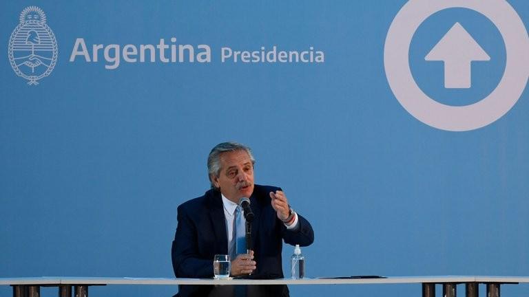 """Alberto Fernández: """"Vamos a vacunar a 300 mil personas antes de fin de año"""""""