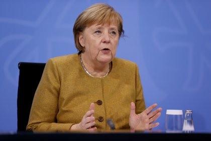 """Angela Merkel le pidió a Alberto Fernández """"una clara señal política"""" para que la Argentina recupere la confianza de los mercados"""