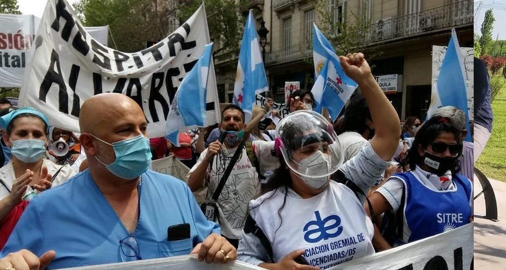 Murió un jefe del Hospital Ramos Mejía en la marcha de los médicos porteños